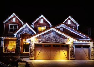 holiday-lights-home-pic-01