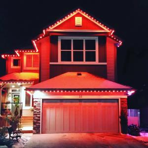 holiday-lights-home-pic-02